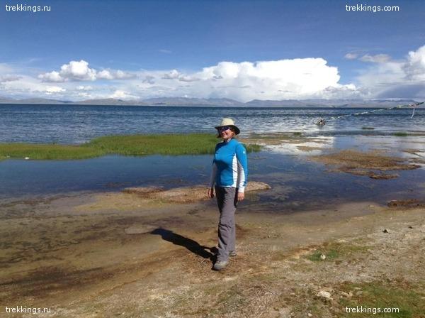 Люда на берегу озера Маносаровар